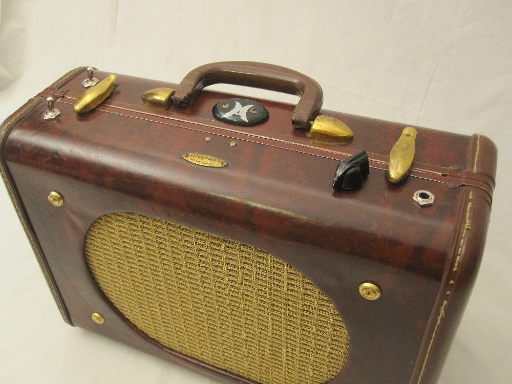 Moonlight Amps suitcase amp/ interview on Moonlight Amplifiers