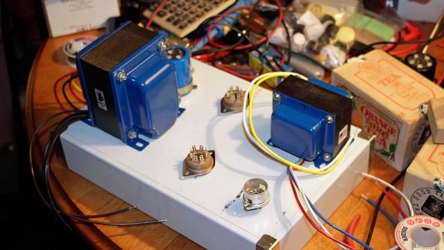 Producer 88 Amp Figure-1